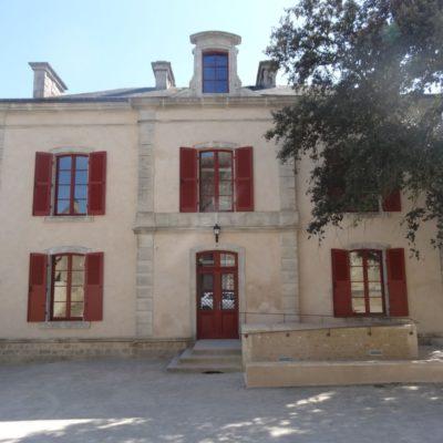 facade-entree-presbytere-saint-cosme-sarthe-bichot-menuiserie