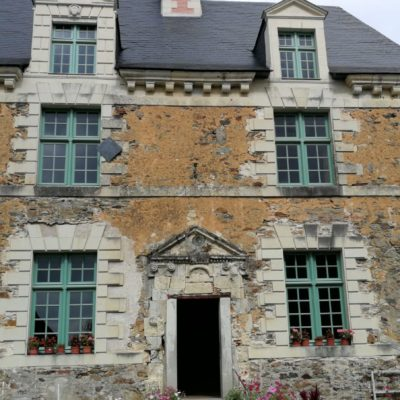 facade-exterieure-manoir-fleuriaie-bichot-menuiserie